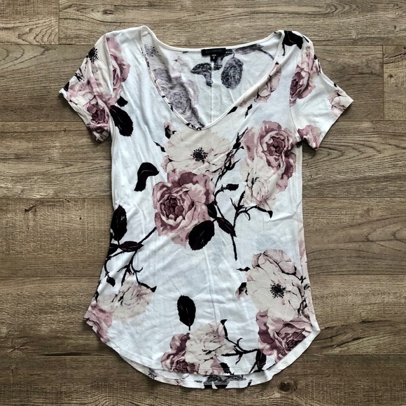 Dynamite White Floral V Neck T Shirt